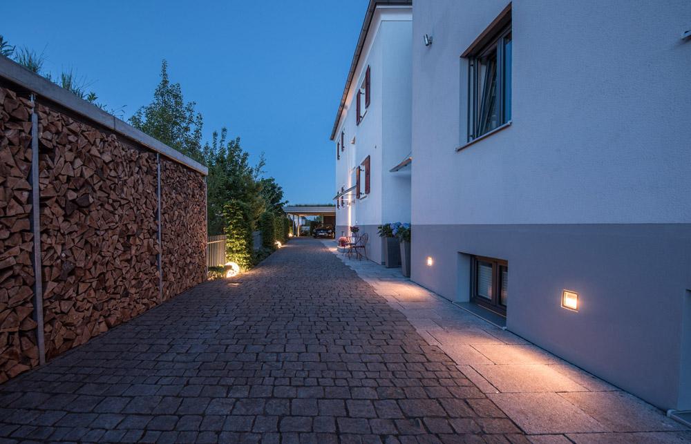 7 licht atmosph ren aussenanlagen huber rosenheim. Black Bedroom Furniture Sets. Home Design Ideas